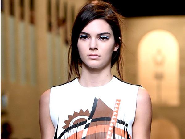 Wah, Kendall Jenner Akan Direkrut Jadi Victoria's Secret Angel?