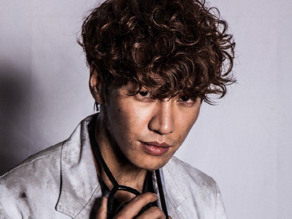Alami Kecelakaan Mobil, Kim Young Kwang Tetap Lanjutkan Syuting 'D-Day'
