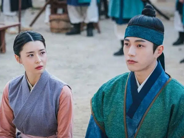 Kwon Nara dan Kim Myungsoo Ternyata Punya Kesamaan Unik Ini