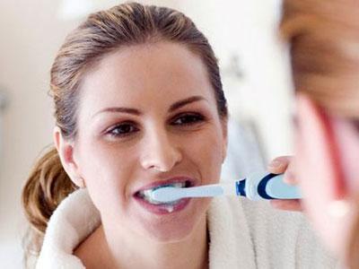 Inilah Hal-hal yang Harus Diperhatikan Saat Bersihkan Gigi