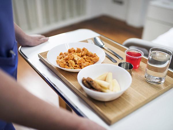 Mengintip Menu Makanan Pasien COVID-19 di Wisma Atlet Kemayoran