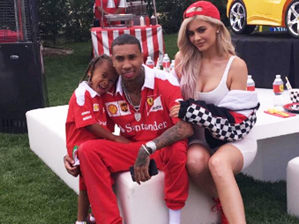 Mewah dan Meriah, Tyga dan Kylie Jenner Rayakan Ultah King Cairo dengan Tema Ferrari!