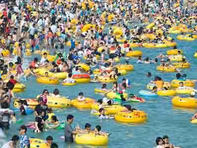 Tingkatkan Pariwisata, Korsel Buka Pantai Khusus Dewasa Pertama