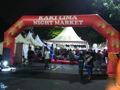 Berburu Kuliner Tradisional Indonesia Di Kaki Lima Night Market!