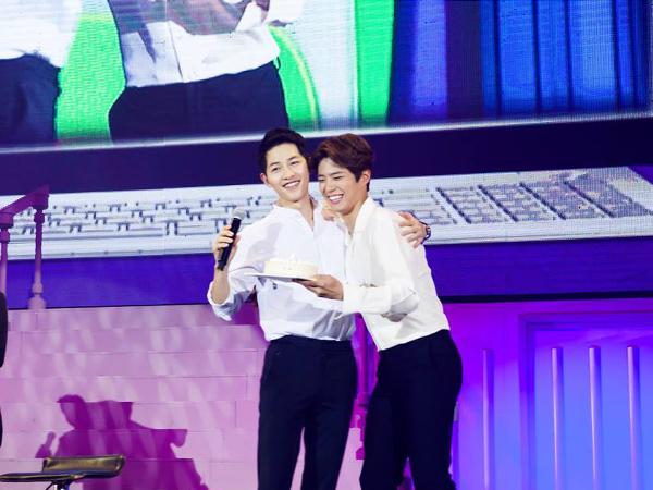 Beri Kejutan, Park Bo Gum Kembali Hadiri Jumpa Fans Song Joong Ki di Beijing