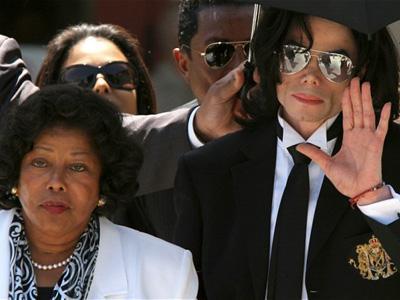 Dituduh Jadi Penyebab Kematian Sang Anak, Ibu Michael Jackson Tuntut Promotor Rp 391 Triliun!