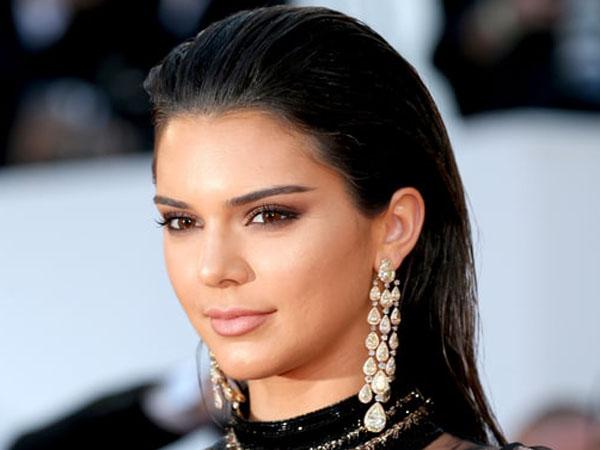 Rindu Bruce Jenner, Kendall Akui Masih Tak Rela dengan Perubahan Transgender Ayahnya
