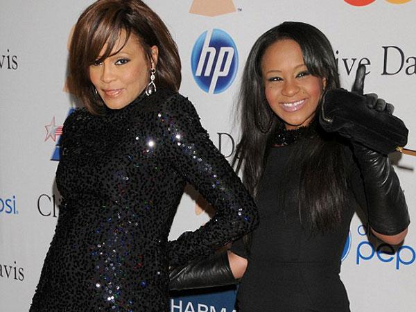 Kondisi Belum Membaik, Putri Mendiang Whitney Houston Dipindahkan ke Rumah Sakit Lain