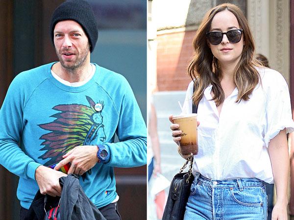 Chris Martin dan Dakota Johnson Kepergok Jalan Bareng, Pacaran?