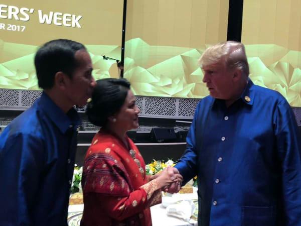 Bertemu Jokowi-Iriana, Donald Trump Ucapkan Selamat Atas Pernikahan Kahiyang-Bobby