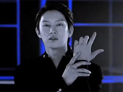 Yuk Intip Penampilan Heechul Super Junior Pasca Wamil dalam MV 'Blue World'