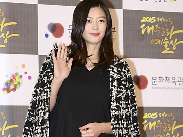 Lahirkan Anak Pertama dengan Selamat, Jun Ji Hyun Resmi Jadi Ibu!