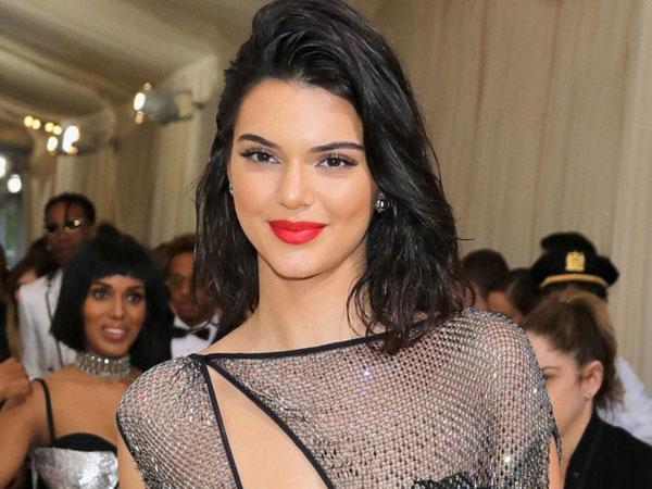 Kendall Jenner Nyaris Tampil 'Bugil' di Met Gala 2017