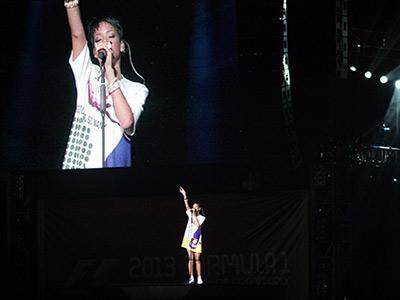 Rihanna Sukses Hibur Ribuan Penggemar di F1 Singapura