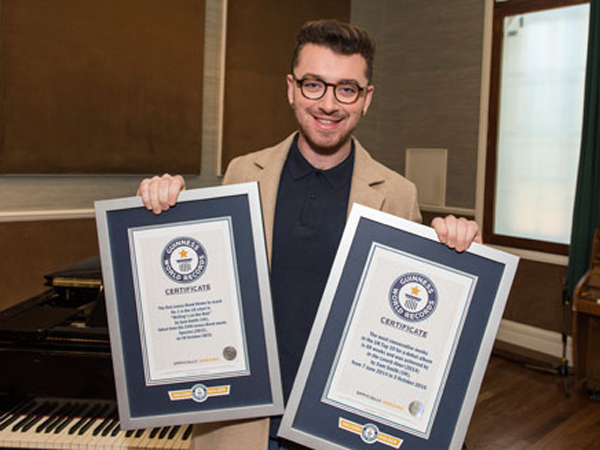 Berkat Soundtrack Film 'Spectre', Sam Smith Raih Guinness World Record