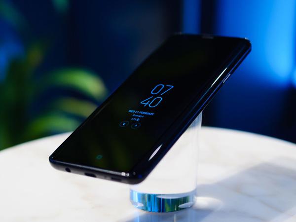 Samsung Dikabarkan Bakal Ikuti Jejak Apple Hilangkan Jack Audio
