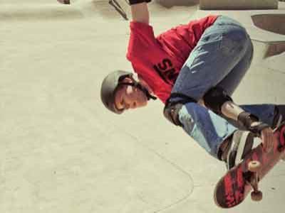Pemain Skateboard Buta Hebohkan Internet