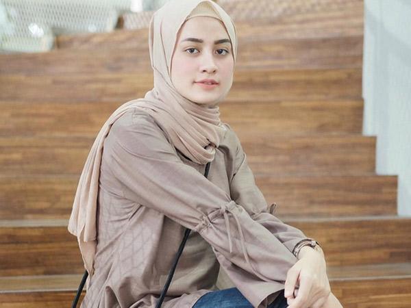 Mix and Match Warna 'Beige' untuk Outfit Hangout Ramadhan Kamu!