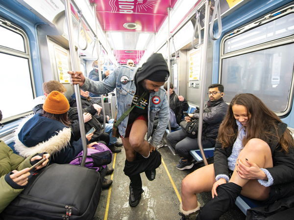 'No Pants Subway Ride': Hari Naik Kereta Bawah Tanah Tanpa Celana