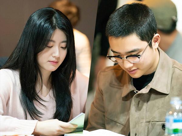 Potret Serius D.O EXO Hingga Nam Ji Hyun di Sesi Diskusi Naskah Drama 'Hundred Days Husband'