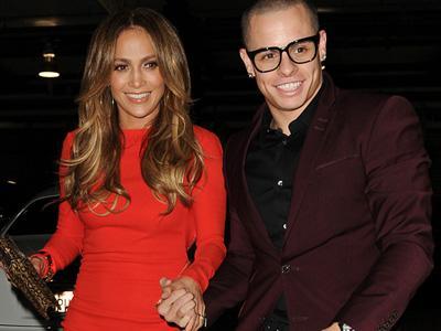 Dua Tahun Pacaran, J-Lo Putus dengan Casper Smart?