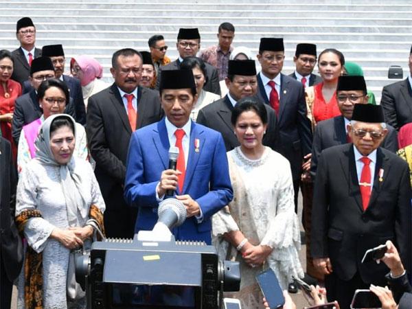 Wow, Jokowi Konfirmasi Pangkas Dua Eselon PNS Akan Diganti dengan Robot!