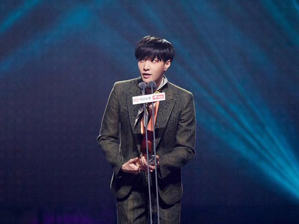 Lay EXO Sapu Bersih 8 Penghargaan Akhir Tahun di Cina
