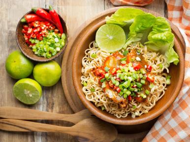 Ramai Challenge Makan Mie Instan 3 Kali Sehari Selama Sebulan, Ini Dampaknya Bagi Kesehatan!