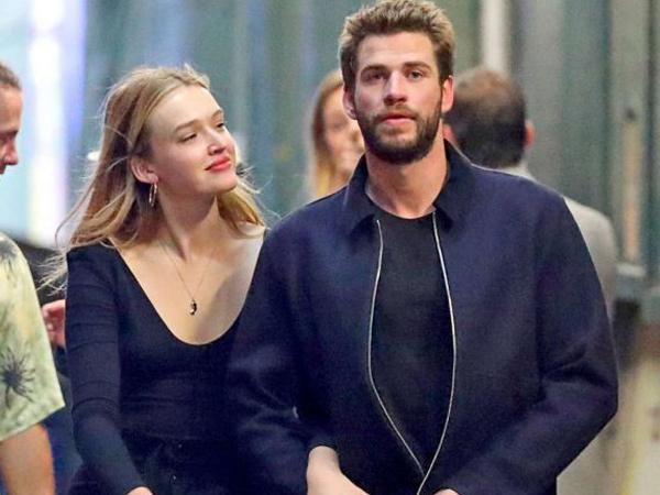 Pamer Kemesraan, Liam Hemsworth-Maddison Brown Berbagi Cium dan Peluk di Depan Umum