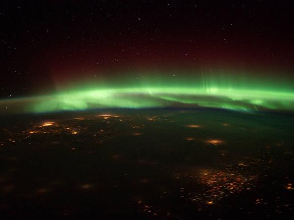 Nikmati Keindahan Aurora Secara Online di Tengah Wabah Corona