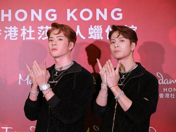 Jackson GOT7 Pose Bareng 'Kembaran' di Museum Lilin Madame Tussauds Hong Kong