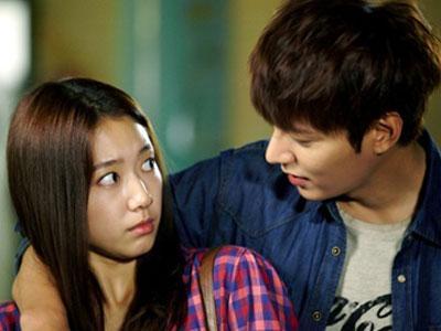 Park Shin Hye dan Lee Min Ho Tunjukan Chemistry Mereka di Set 'The Heirs'