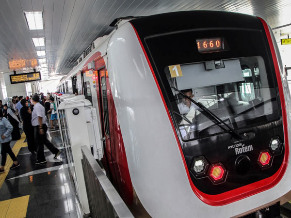 Mengapa LRT Tak Kunjung Beroperasi Walau Sudah Uji Coba Tiga Kali?