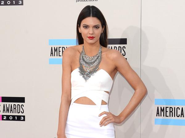 Terlalu Sibuk, Kendall Jenner Tidak Punya Waktu Untuk Pacaran?