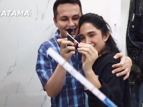 Ussy Sulistiawaty Hamil Anak ke-5, Anak Pertama Beri 'Ancaman'