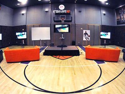 Wah, Ada Lapangan Basket di Kamar Hotel Ini!