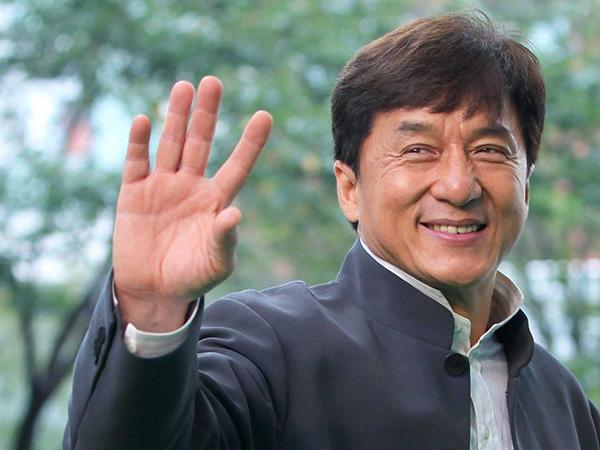 Heboh Isu Jackie Chan Dikarantina karena Virus Corona