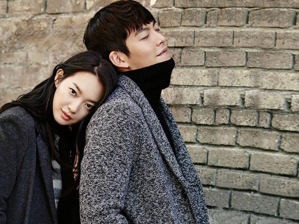 Mesranya Pasangan Kekasih Kim Woo Bin dan Shin Min Ah di Pemotretan Terbaru