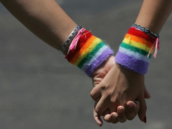 Ancaman LGBT di Indonesia dari Rayu Orang Miskin Sampai Anak Kecil