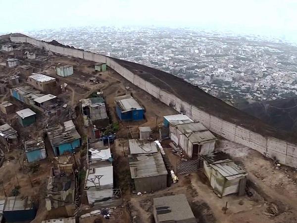 Bangun Tembok Pemisah Antara Si Miskin dan Si Kaya, Negara Ini Tuai Kecaman