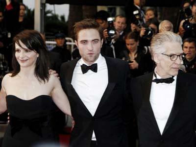 Muncul Perdana, Pattinson Akui Patah Hati