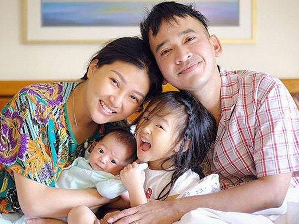 Demi Temani Sarwendah Lahiran di Singapura, Ruben Onsu Rela Bayar Denda Rp 300 juta