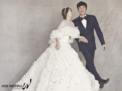 Harga Fantastis Gaun Pengantin Shim Yi Young di Pernikahannya dengan Choi Won Young