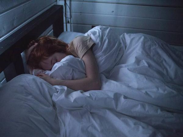 Ternyata Ini Alasan Kita Tidak Bisa Tidur Tanpa Menggunakan Selimut