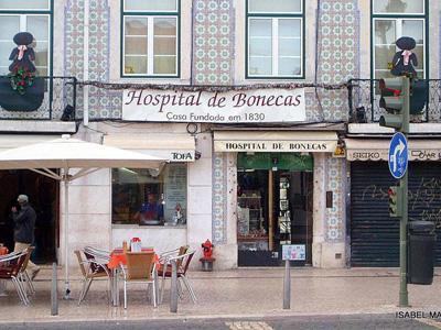 Portugal Punya Rumah Sakit Khusus Boneka?