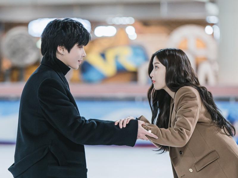 Batal Cium Moon Ga Young, Hwang In Yeob Tuai Pujian Penonton