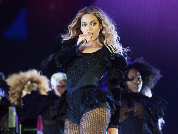 Demi Melamar Sang Kekasih, Pria Ini Nekat Hentikan Konser Beyonce