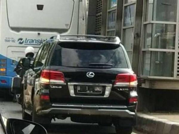 Kata Polisi Soal Mobil B 1 UNO Terobos Jalur Busway Jadi Viral