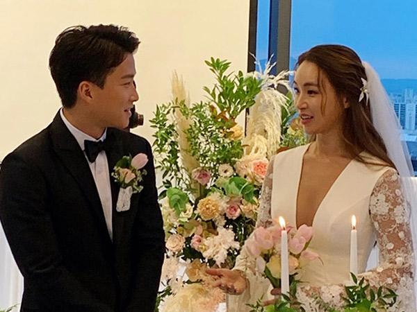 Pelatih 'Produce 101' Resmi Menikah dengan Kekasih Lebih Muda 10 Tahun