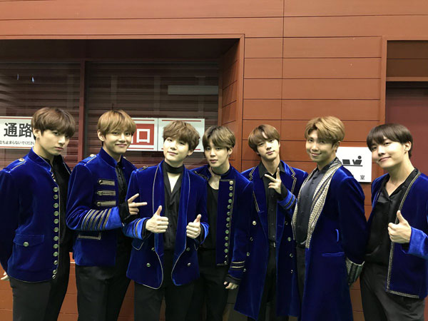 Selamat! BTS Raih Penghargaan di Ajang 'Teen Choice Awards 2017'